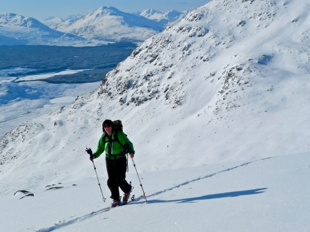 Catrin skinning up to Meagaidh