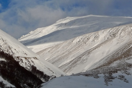 Slab Avalanche above Tourist Route on Ben Nevis